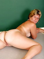 hot moms in pantyhose